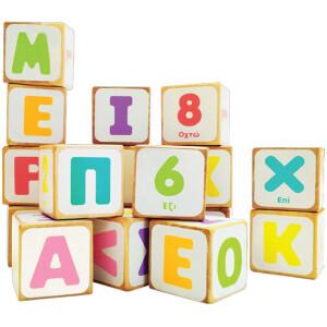 Από την Ελληνική εταιρεία Svoora 24 ξύλινοι κύβοι τυπωμένοι και στις 6 πλευρές τους με κεφαλαία γράμματα και αριθμούς. Θα βοηθήσουν τους μικρούς μας φίλους να μάθουν τα 24 γράμματα