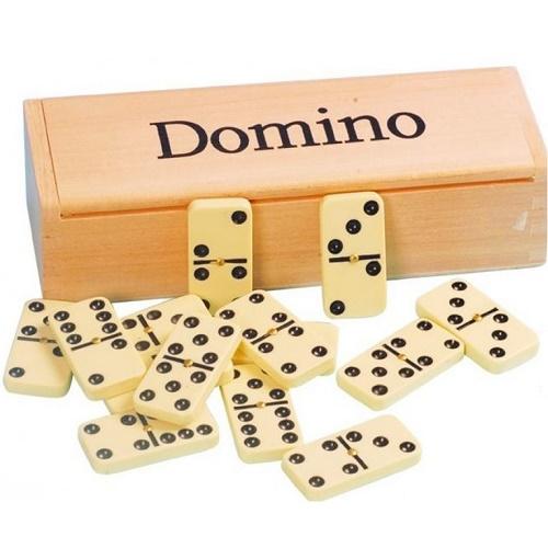 """Το κλασικό παιχνίδι """"Ντόμινο"""" από την εταιρεία SVOORA βοηθάει στην στρατηγική σκέψη"""
