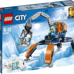 Κάνε μεγάλες ανακαλύψεις στο σημείο εκσκαφής της Αρκτικής Αποστολής με το LEGO® City 60192 Αρκτικό Βαδιστή Πάγου! Περπάτησε πάνω σε ανώμαλα εδάφη και κατέβασε το βραχίονα για να συλλέξεις παγωμένα δείγματα. Περίμενε